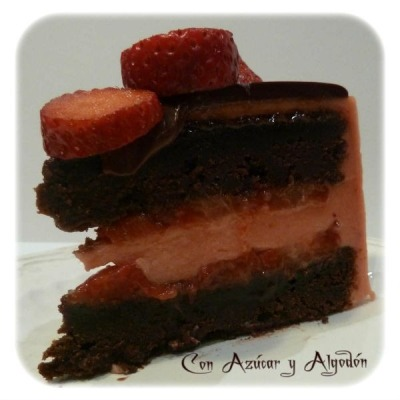 Tarta Cremosa de Chocolate y Fresa